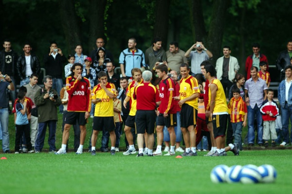 albert-roca-entrenamiento-galatasaray