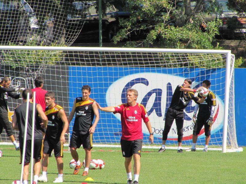 resized_Albert Roca en entrenamiento de verano con Galatasaray